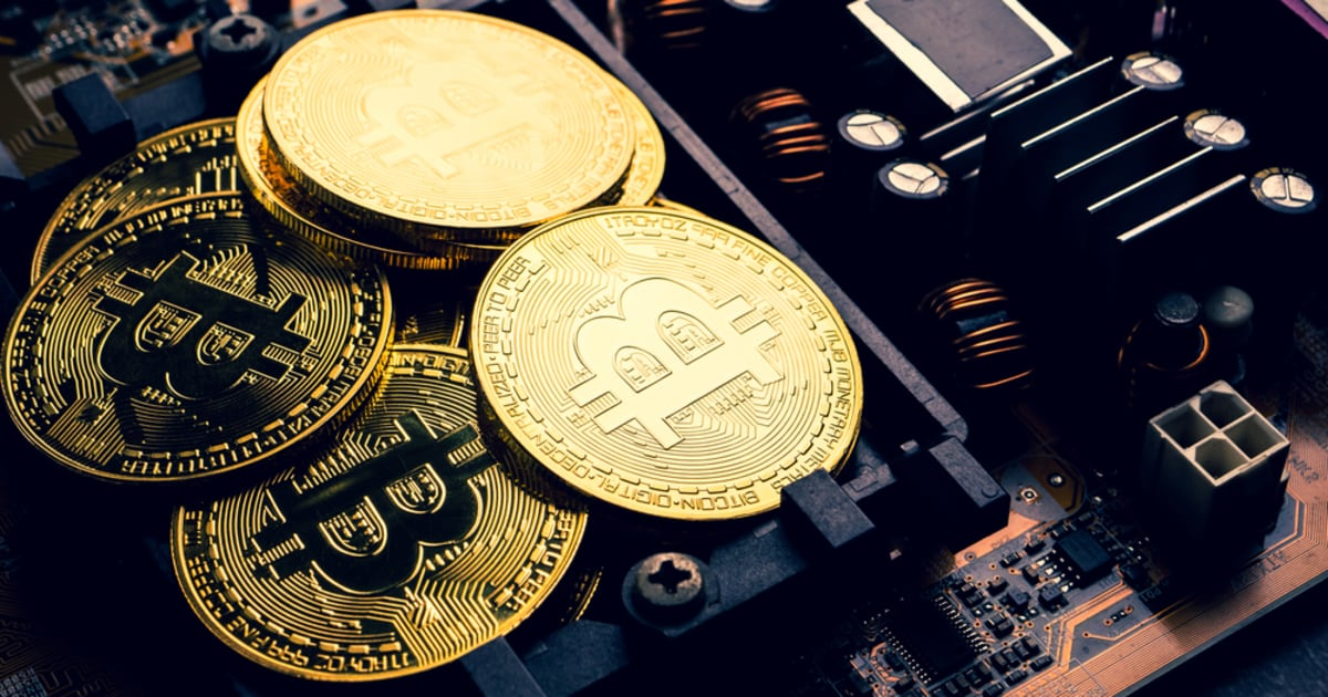 Peter Schiff Grayscale Bitcoin Trust Blockchain.News.jpg
