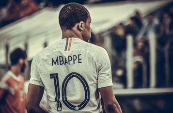 French Football Star Mbappe Seeks out Crypto Scammers Trying to Score off The PSG Striker's Reputation
