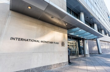 IMF Official Talks Benefits and Shortcomings of CBDCs, Proposes a Hybrid Solution
