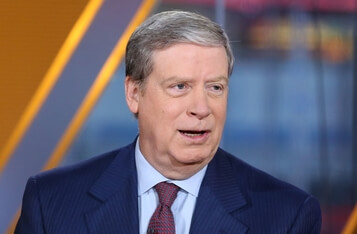 Billionaires and Bitcoin: Stan Druckenmiller's Alarming Warning on Stocks While Paul Tudor Jones Remains Bullish on Bitcoin