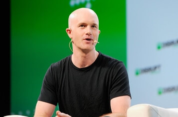 Coinbase CEO Avoids Mainstream Media, Prefers YouTube, Podcasts and Blogs