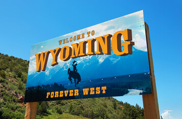 Wyoming State Says Cryptocurrency Represents Property, Allows Insurers to Include Digital Assets in Investment Portfolios