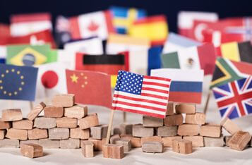 模糊的真相:新货币政策下的全球资本战争