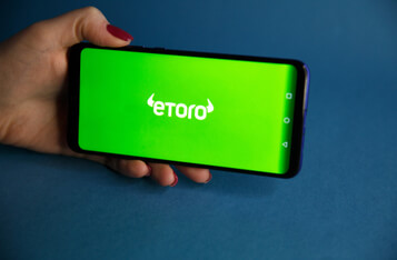 The Multi-Asset Investment Platform, Etoro Will Launch Its Debit Card In 2020